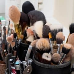 how to wash and store makeup brushes at home