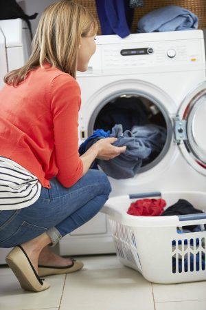 Use front-loading washers to wash comforters instead of top-loading washers.