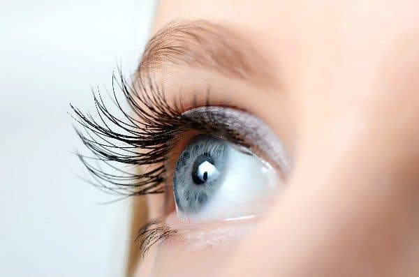 One castor oil use is lengthening eyelashes.