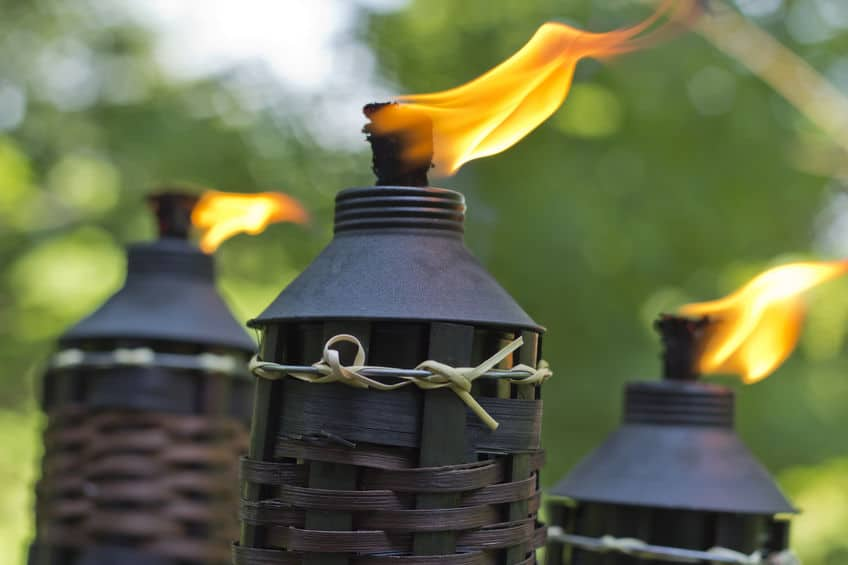 Citronella tiki torch candles to repel mosquitoes and flies img