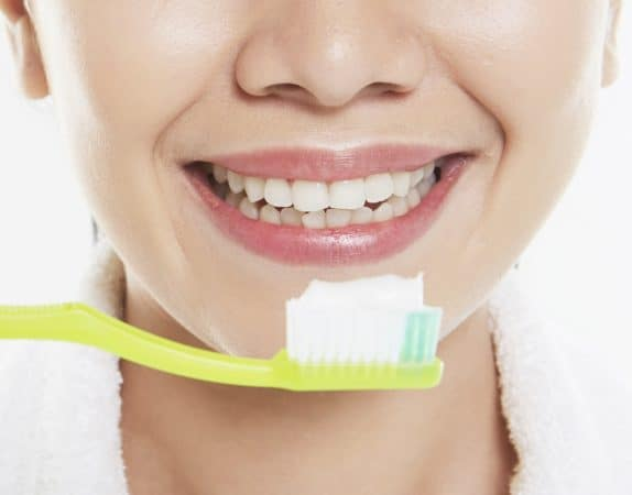 Diatomaceous Earth for Health - used as toothpaste to brush your teeth