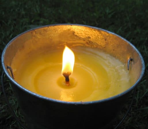 Citronella candle to repel mosquitoes img