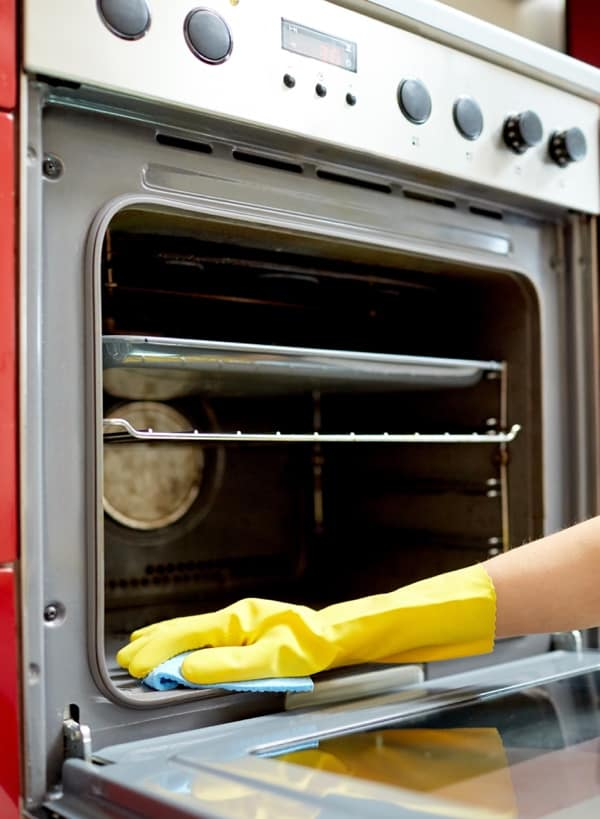 clean your oven with white vinegar fast manually by hand