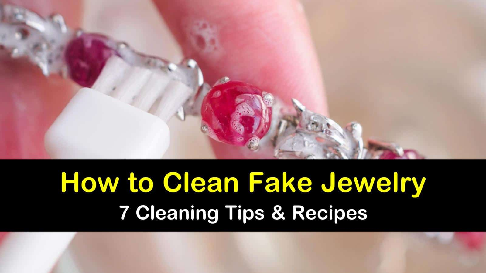 how to clean fake jewelry titleimg1